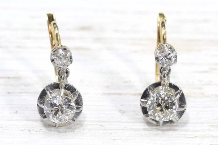 Boucles d'oreilles dormeuses diamant en or jaune 18k