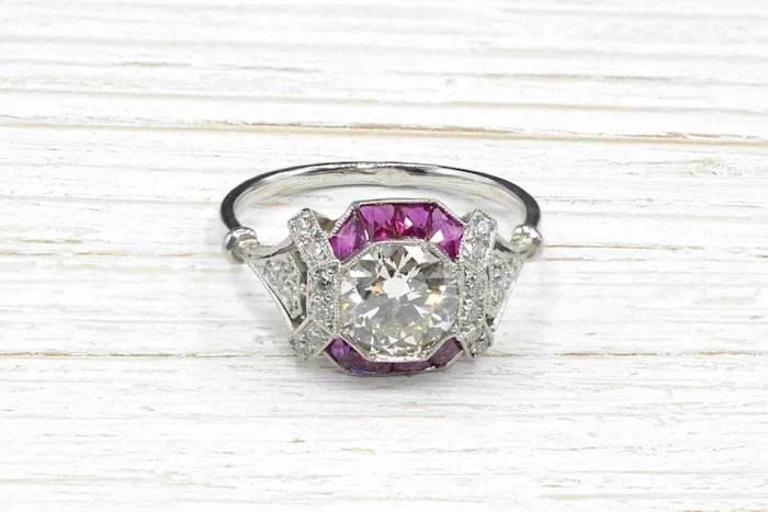 Bague Art Déco diamant et rubis sur platine