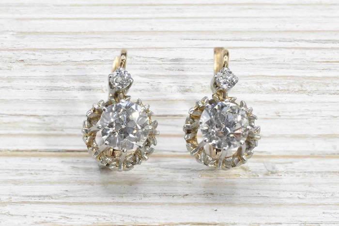 Boucles d'oreilles dormeuses diamants taille ancienne