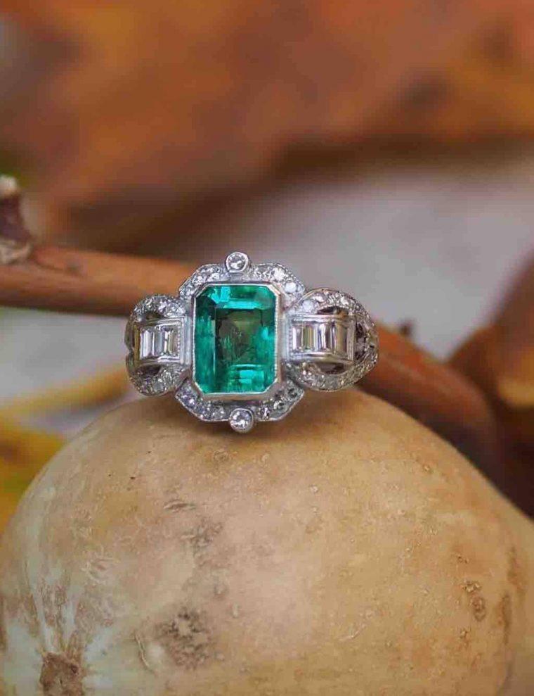 Bague art déco émeraude diamants