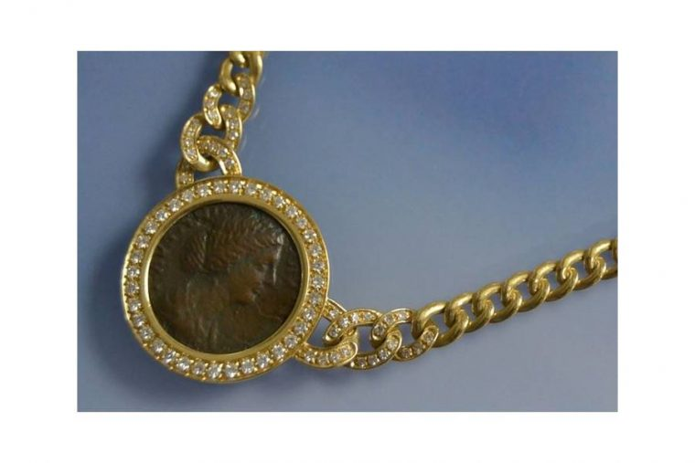Collier piece d or
