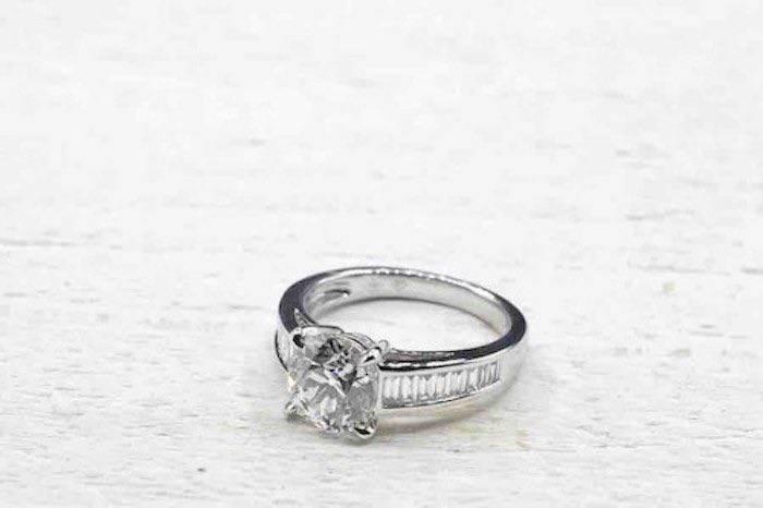 Bague de mariage solitaire avec diamant