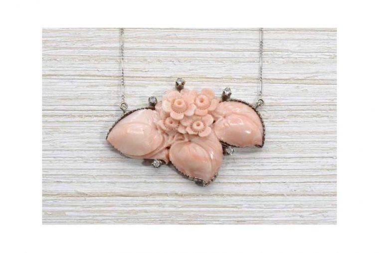 Corail rose pierre