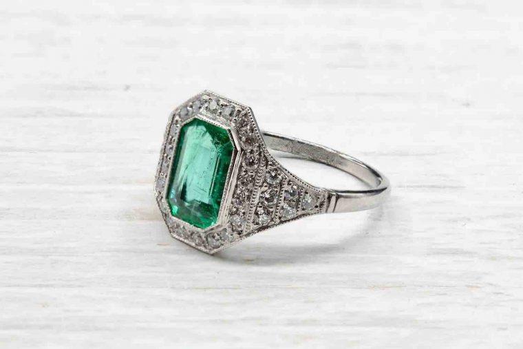 Bague de fiancaille diamant emeraude