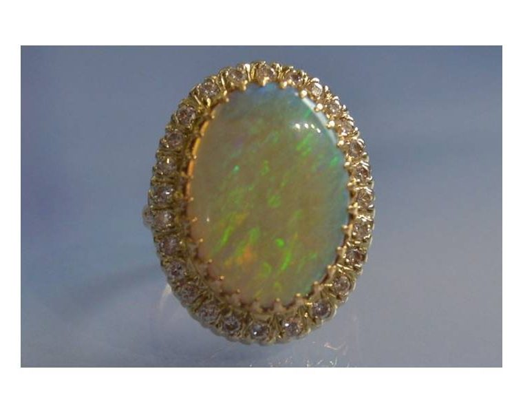 Bague avec opale