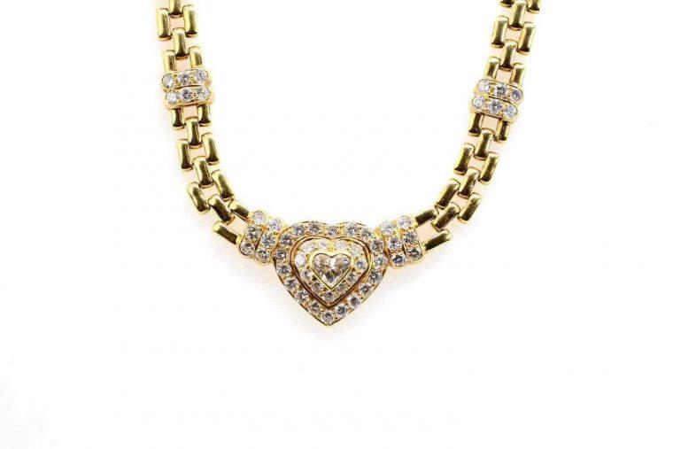 Collier or femme avec pendentif