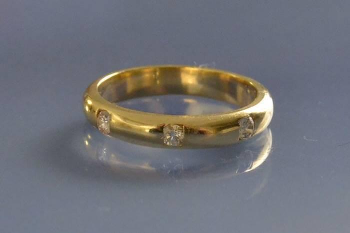 Achat alliance or et diamant