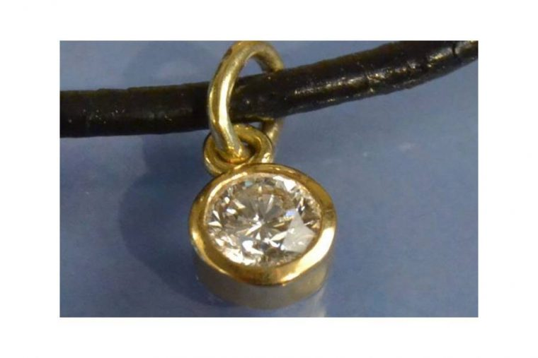 Collier pendentif homme or