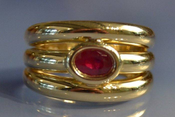 Bague or jaune rubis