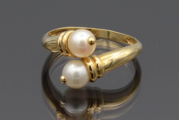 Bague perle et diamants or blanc