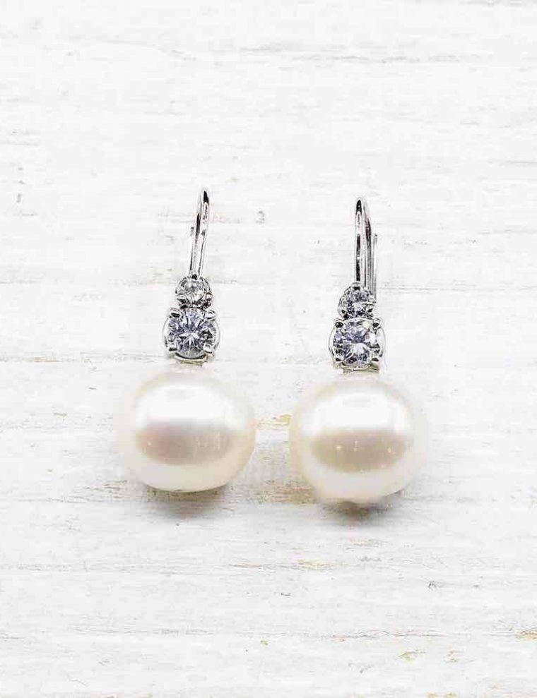 Boucle d oreille avec perle