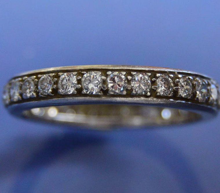 Bijoux anciens, alliance platine et diamants