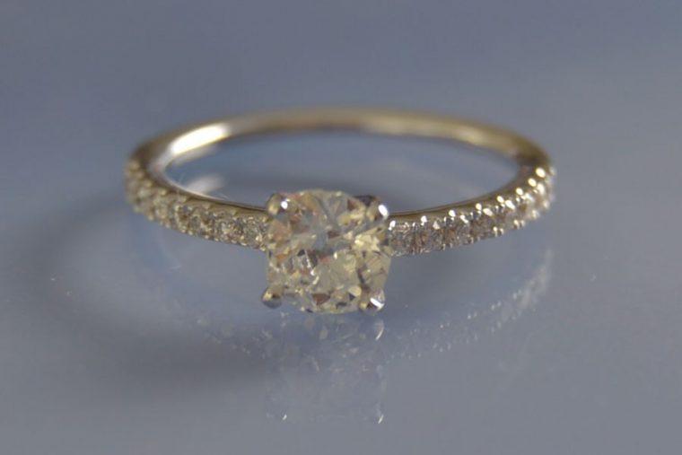 Bague solitaire diamants